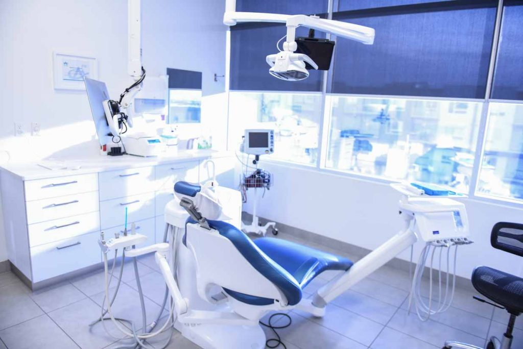Operatory   West Calgary Periodontics